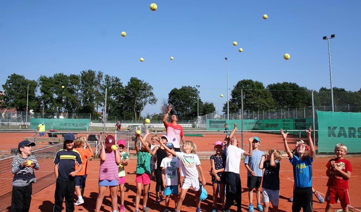 Tennisplätze im Freien vom DJK Altdorf bei Landshut Tennisverein