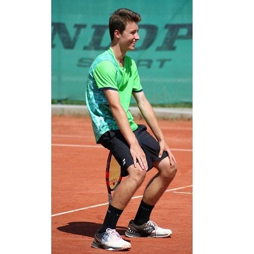 Tennis spielen DJK Altdorf Landshut, Tennisstunden nehmen-min