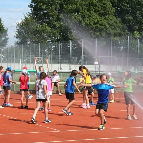 Tennisplätze an der frischen Luft beim DJK Altdorf Landshut