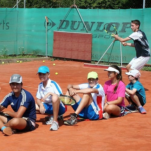 Tennis spielen Landshut Altdorf DJK - Tennis lernen und trainieren - Außenplätze buchen-min